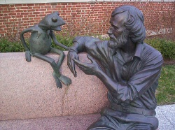Jim Henson Statue at the University of Maryland