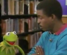 Kermit and LeVar Burton on Reading Rainbow