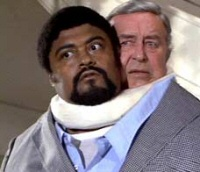 Rosey Grier &#038; Ray Milland in The Thing With Two Heads