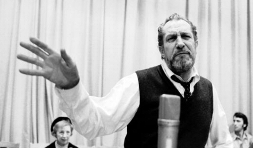 Vincent Price Sings
