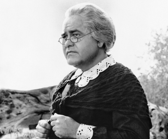 Jonathan Winters as Maude Frickert